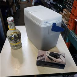 COLEMAN ELECTRIC COOLER AND JUG