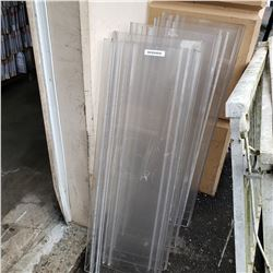 LOT OF PLEXIGLASS SHELVES