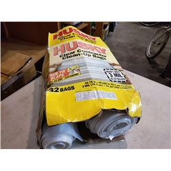 BOX OF HUSKY CONTRACTOR CLEAN UP BAGS