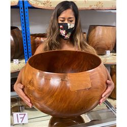 Very Large Milo Wood Bowl w/ Patch Details, Artist Robert W. Butts, Approx. 16  Dia, 13  Tall