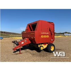 2001 NEW HOLLAND 688 ROUND BALER