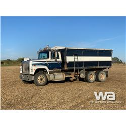 1976 FORD CONVENTIONAL 9000 T/A GRAIN TRUCK