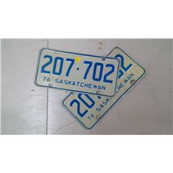PAIR OF SASK. 1976, 207-702 LICENSE PLATES