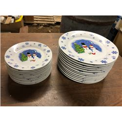 12 CHRISTMAS DINNER PLATES AND 12 CHIRSTMAS LUNCHEON PLATES