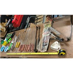 ACCESSORIES FOR BARBECUING AND GARDENING
