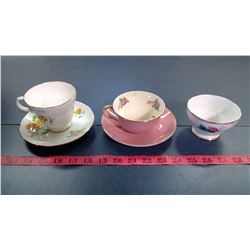 2X CHINA TEACUPS AND PLATES, AND SUGAR DISH