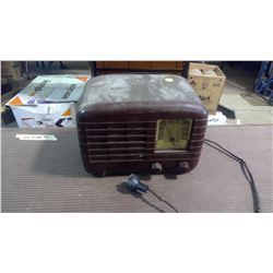 ANTIQUE GE TUBE RADIO MODEL KL-51