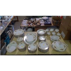 LARGE LOT OF SERVING WARE