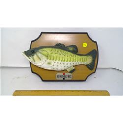 BILLY BASS SINGING FISH PLAQUE