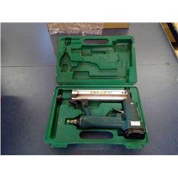 AIR NAIL GUN 18 GAUGE BRADS