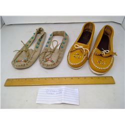 2 PAIRS OF MOCCASINS