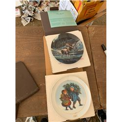 2 ART COLLECTOR PLATES