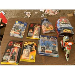 STAR WARS FIGURINES IN BOXES