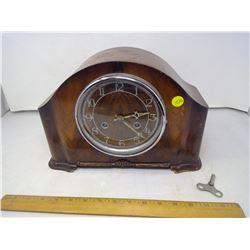 Vintage Analog Clock w/ Key