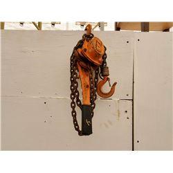 1512___1 -- 3/4 ton chain block (orange)
