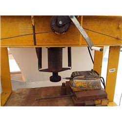 1592___1 -- Hydraulic press - air (yellow)