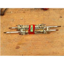 """1665___2 -- 5/8 x 2"""" hydraulic cylinders"""
