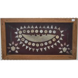 FRAME OF DECORATIVE ARROW HEADS