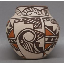 ZUNI INDIAN POTTERY JAR (JENNIE LAATE)