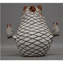 ZUNI INDIAN POTTERY OWL ( QUANITA KALESTEWA)