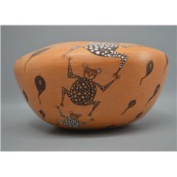 ZUNI INDIAN POTTERY JAR (JOSEPHINE & MILFORD NAHOHAI)