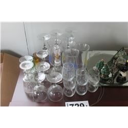 ASSORTED GLASSES, MIRRORS, ORNAMENTS, ETC