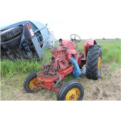 MASSEY HARRIS 44 TRACTOR (FOR PARTS)