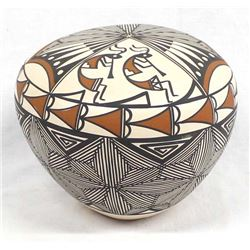Acoma Fine Line Pottery Seed Jar by I. Chino