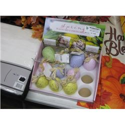 SPRING PLACE CARD AND PHOTO HOLDER EGGS