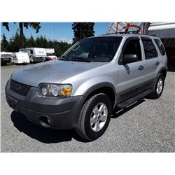 F2 --  2007 FORD ESCAPE XLT  , Silver , 281821  KM's