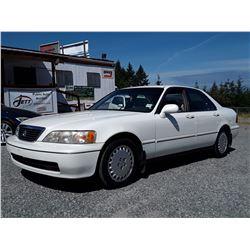 C2 --  1997 ACURA 3.5RL  , White , 207834  KM's