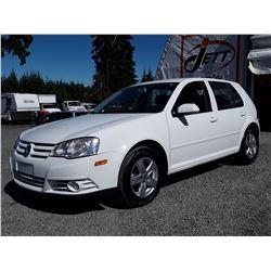 I5 --  2009 VW CITY GOLF  , White , 183327  KM's