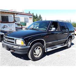 J5 --  1995 CHEVROLET BLAZER , Black , 298725  KM's