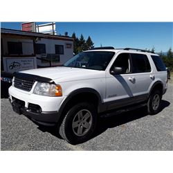 G5 --  2004 FORD EXPLORER XLT , White , 265808  KM's