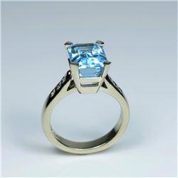 20CAI-54 BLUE TOPAZ & DIAMOND RING