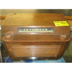 WOOD CASED ELECTROHOME RADIO