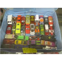 CAR CASE WITH ASSORTED HOT WHEELS CARS