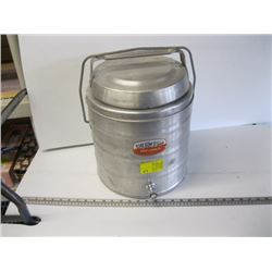 THERMO CAN, HOT/COLD WATER CONTAINER