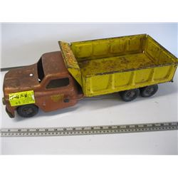 STRUCTO HYDRAULIC DUMPER DUMP TRUCK (NO HYDRAULICS) - NOT WORKING