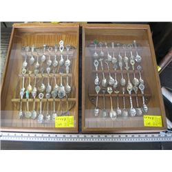 2 COLLECTOR SPOON CASES WITH SPOONS