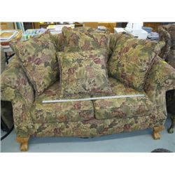 FLORAL PATTERNED LOVE SEAT WITH CLAW FOOT LEGS