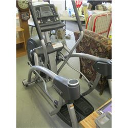 LARGE ELLIPTICAL TRAINER MADE BY CYBEX (FEET NEED FIXING)