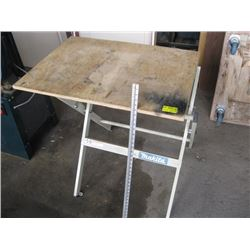MAKITA STAND WITH WOOD TOP