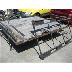SNOWMOBILE DECK WITH RAMP