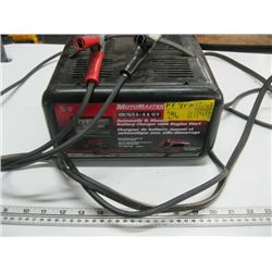 MOTOMASTER BATTERY CHARGER 6 OR 12 VOLT