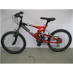 KIDS DIAMOND BACK MOUNTAIN BIKE, LOOKS COMPLETE AND NOT IN BAD SHAPE