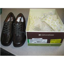 PR OF NATURALIZER SIZE 10 BROWN SHOES