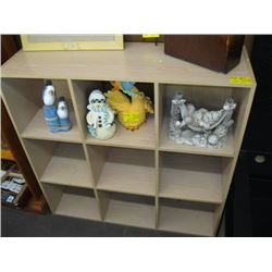 CUBBY HOLE SHELF UNIT