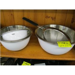 3 MIXING BOWLS, SIEVE
