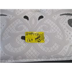 BEAUTYREST QUEENSIZE BOXSPRING AND MATTRESS
